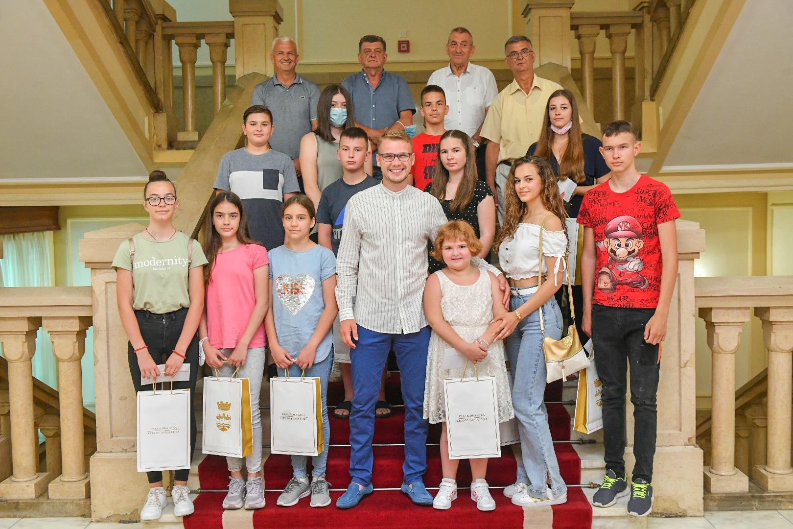 Pred put u Bečiće: Gradonačelnik ugostio djecu ratnih vojnih invalida VRS