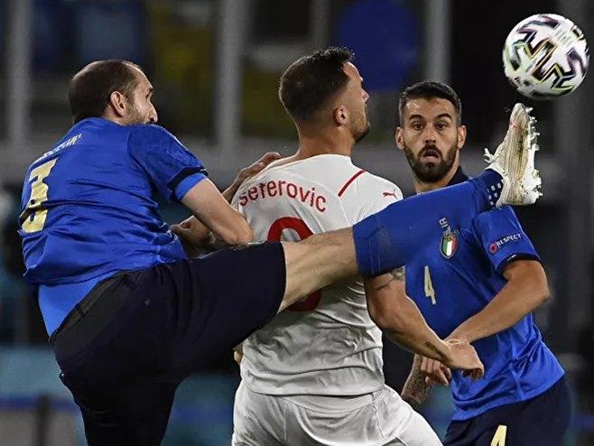 Italija i Vels u osmini finala