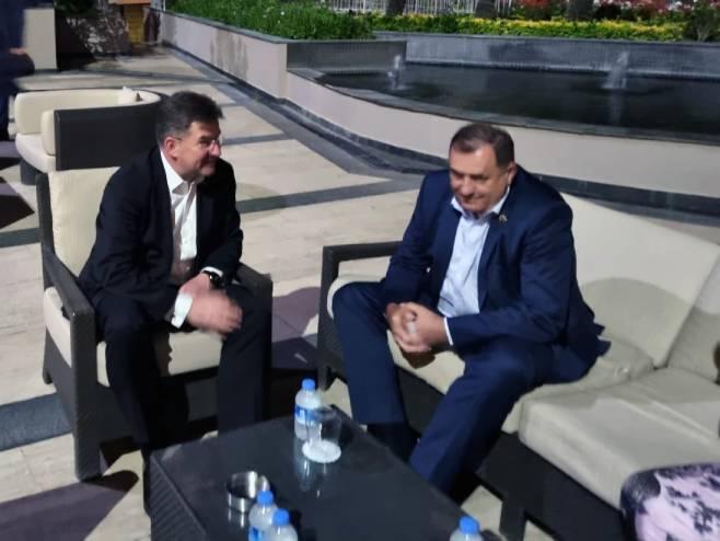 Dodik – Lajčak: Dijalog je pravi način za rješavanje problema u BiH