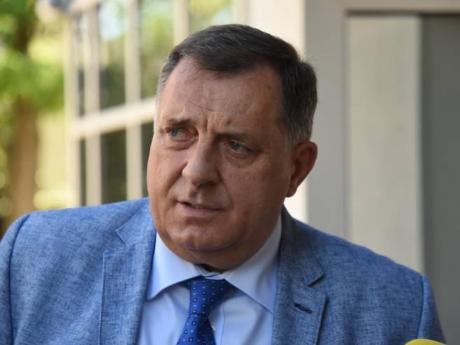 Dodik: Crnogorski poslanici koji su glasali za Rezoluciji nisu dobrodošli u Srpsku